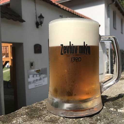 Zevlův mlýn - půllitr piva